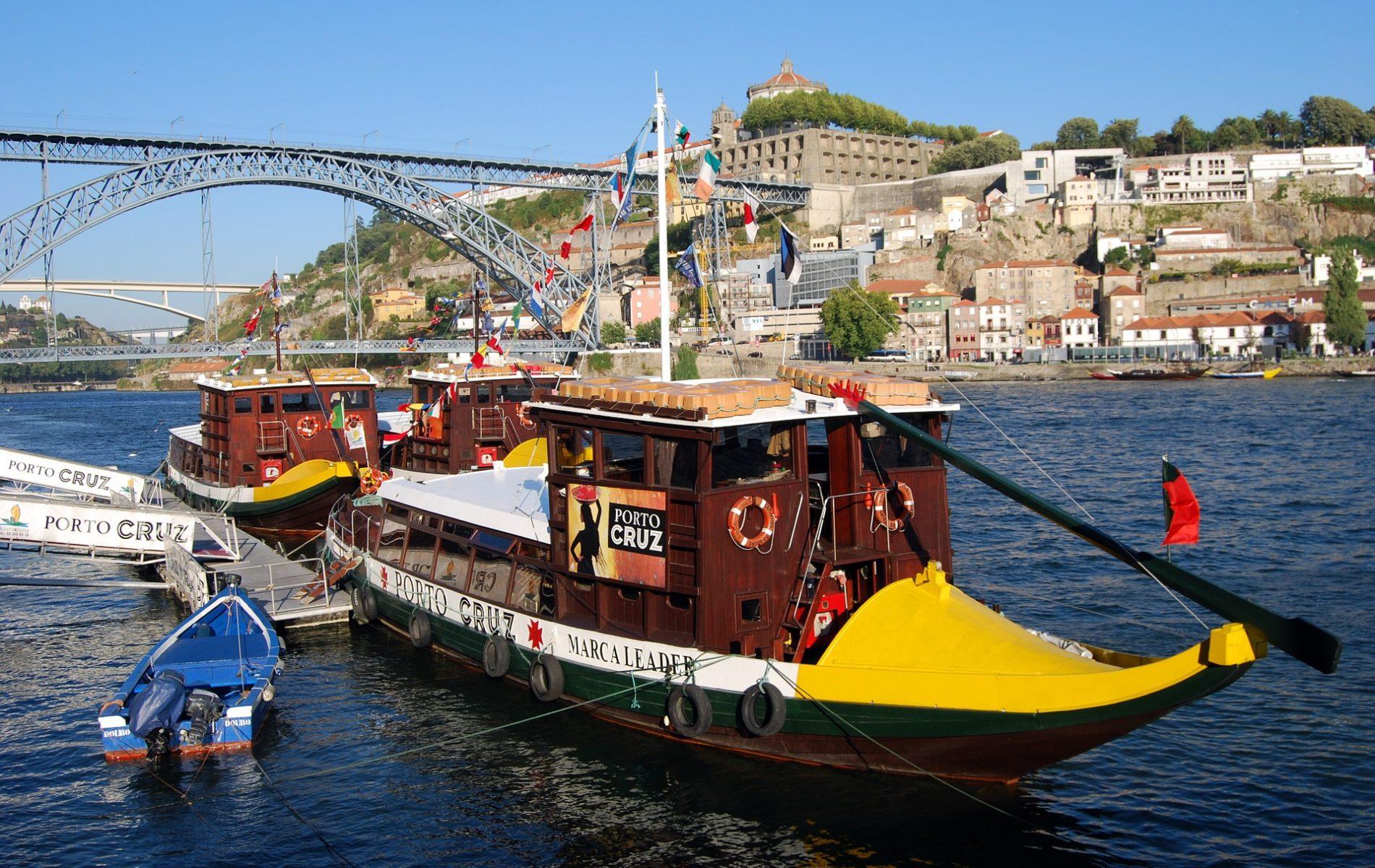 boat-521050_1920